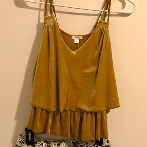 Tops - Gold Top size M